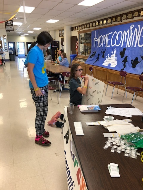 HHS Students involved in Suicide Awareness Month activities at Highland.